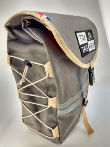 1-waxed canvas pannier 6